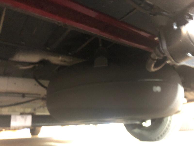 Wohnmobil-Peugeot-Boxer-Globetraveler-58-Liter-Brenngastank-LPG-Autogas-9