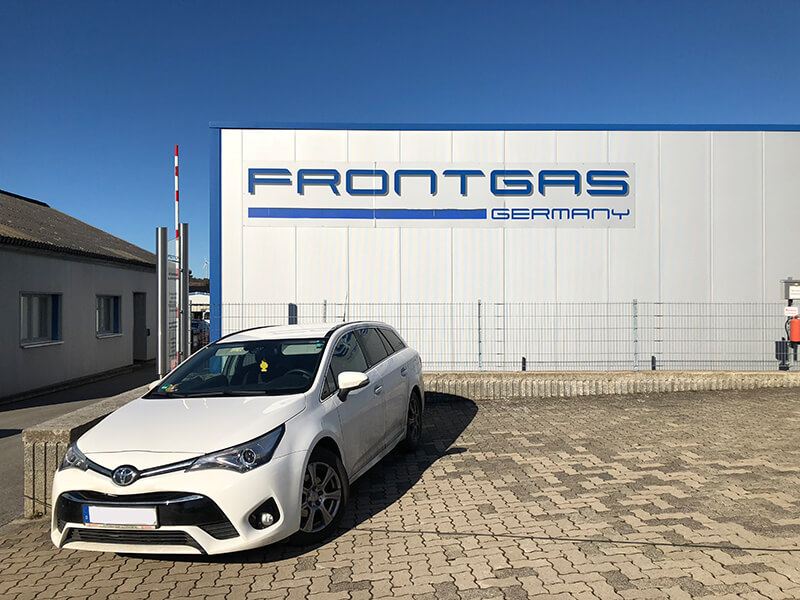Autogas-Umruestung-LPG-Frontgas-Toyota-Avenis-Titelbild