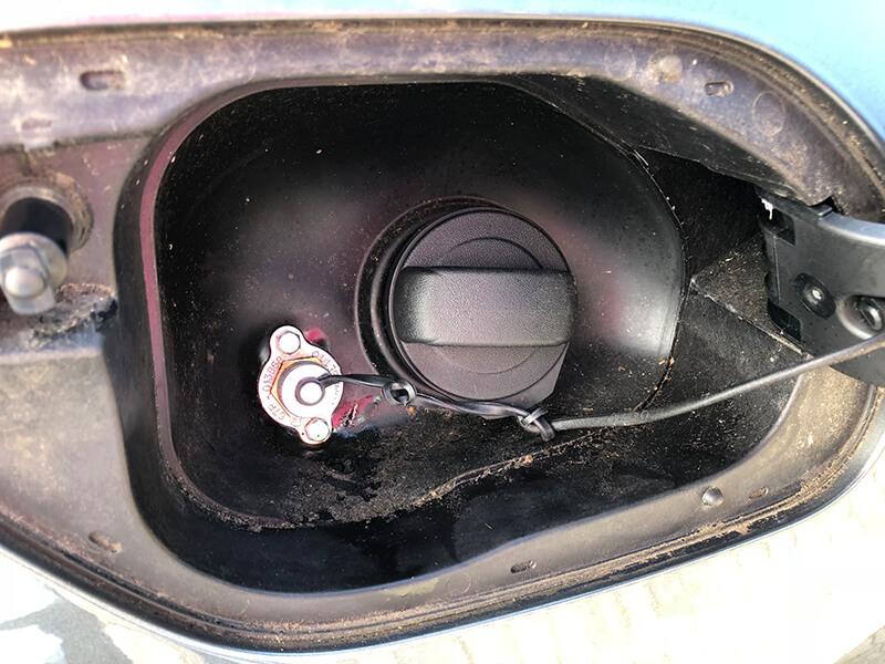 Autogas-Umruestung-LPG-Frontgas-Vw-Golf-Sportsvan-10-Landirenzo-4