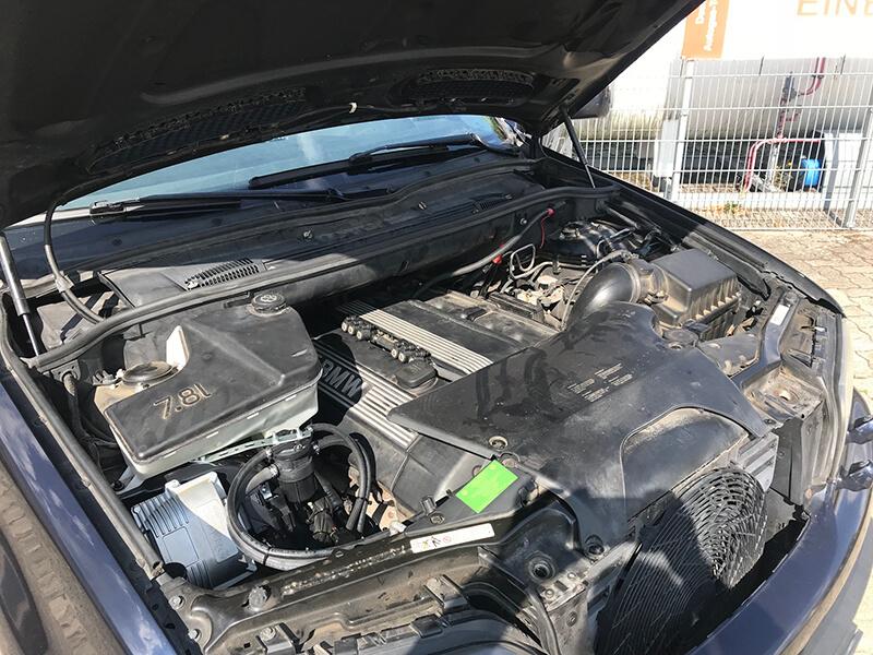 Autogas-Umruestung-LPG-Frontgas-BMW-X5-3.0-4
