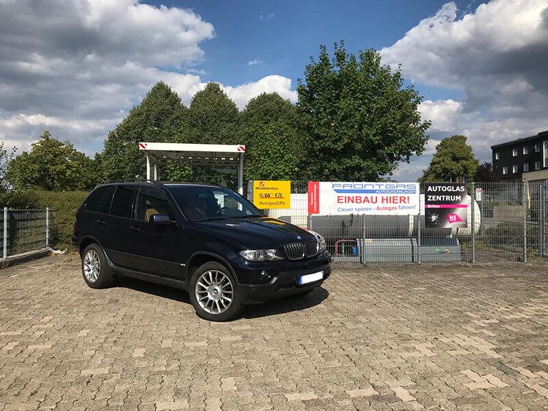 Autogas-Umruestung-LPG-Frontgas-BMW-X5-3.0-Titelbild