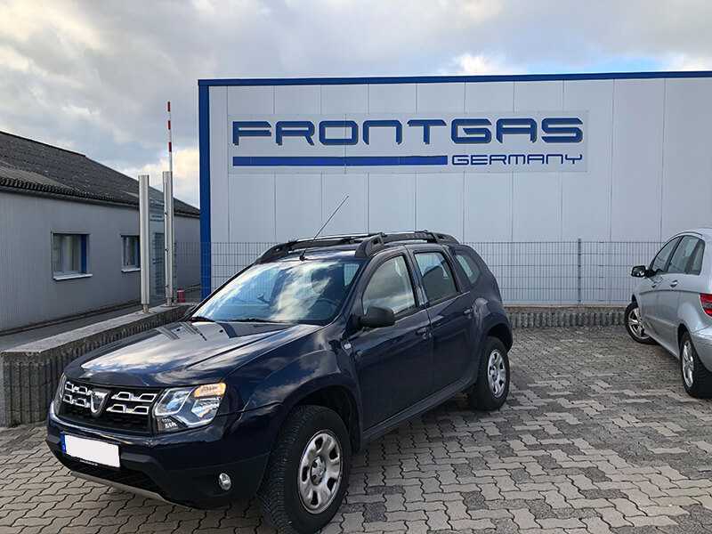 Autogas-Umruestung-LPG-Frontgas-Dacia-Duster-Landirenzo-Titelbild