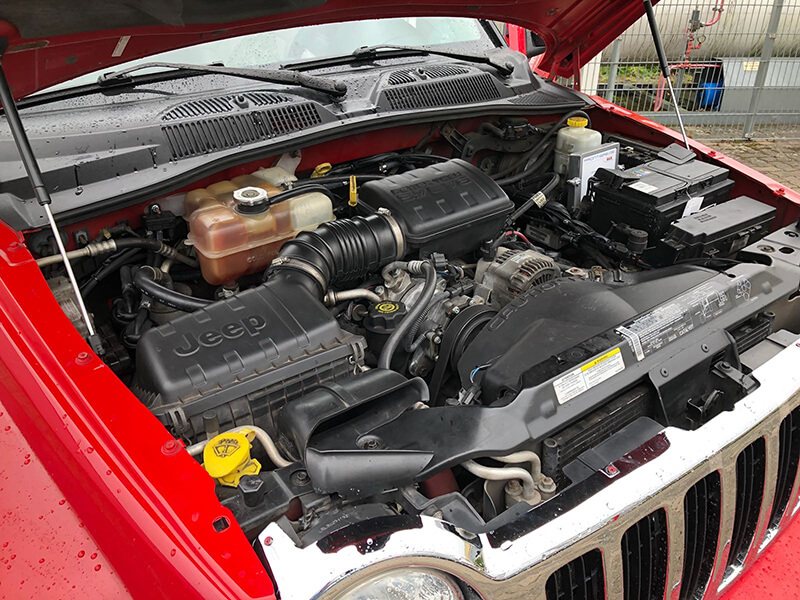 Autogas-Umruestung-LPG-Frontgas-Jeep-Liberty-3